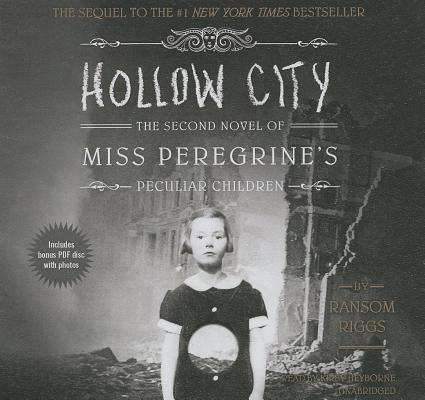 Hollow City (Miss Peregrine's Peculiar Children #2) Cover Image