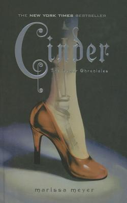 Cinder (Lunar Chronicles #1) Cover Image