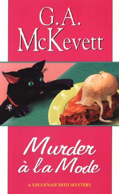 Murder A la Mode (A Savannah Reid Mystery #10) Cover Image