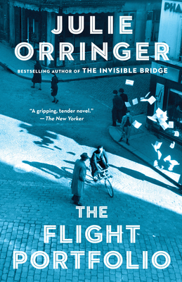 The Flight Portfolio: A novel (Vintage Contemporaries) Cover Image