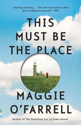 Cover for This Must Be the Place (Vintage Contemporaries)