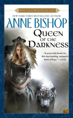 Queen of the Darkness (Black Jewels #3) Cover Image