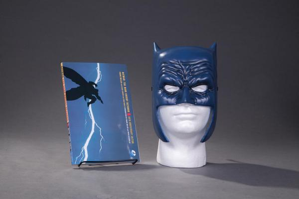 Batman: The Dark Knight Returns Book & Mask Set Cover Image