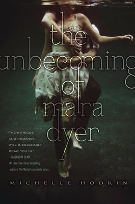 The Unbecoming of Mara Dyer Cover