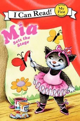 Mia Sets the Stage Cover Image