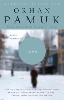 Snow (Vintage International) Cover Image