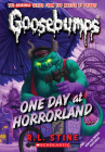 One Day at Horrorland (Classic Goosebumps #5) Cover Image