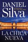 The New Girl \ La chica nueva (Spanish edition) Cover Image