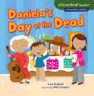 Daniela's Day of the Dead (Cloverleaf Books Fall and Winter Holidays) Cover Image